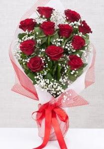 11 kırmızı gülden buket çiçeği  Yozgat 14 şubat sevgililer günü çiçek