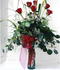 Yozgat çiçek siparişi sitesi  7 adet gül özel bir tanzim