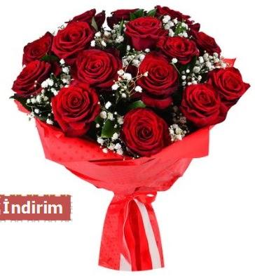 12 Adet kırmızı aşk gülleri  Yozgat çiçek satışı