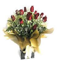 Yozgat internetten çiçek siparişi  11 adet kirmizi gül  buketi