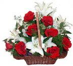 sepette gül ve kazablankalar   Yozgat çiçekçi mağazası