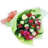 12 adet renkli gül buketi   Yozgat çiçek gönderme sitemiz güvenlidir