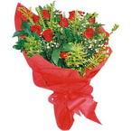 10 adet kirmizi gül buketi  Yozgat çiçek yolla