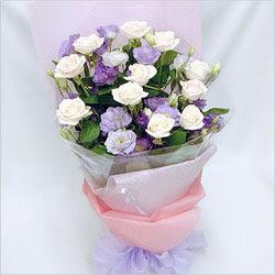 Yozgat internetten çiçek satışı  BEYAZ GÜLLER VE KIR ÇIÇEKLERIS BUKETI