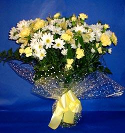 Yozgat hediye çiçek yolla  sade mevsim demeti buketi sade ve özel