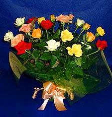 Yozgat hediye çiçek yolla  13 adet karisik renkli güller