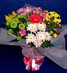 Yozgat hediye çiçek yolla  küçük karisik mevsim demeti