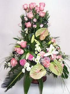 Yozgat ucuz çiçek gönder  özel üstü süper aranjman
