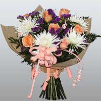 güller ve kir çiçekleri demeti   Yozgat çiçekçiler