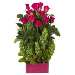 12 adet kirmizi gül aranjmani  Yozgat çiçek mağazası , çiçekçi adresleri