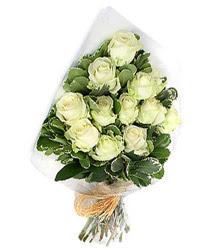 Yozgat online çiçekçi , çiçek siparişi  12 li beyaz gül buketi.