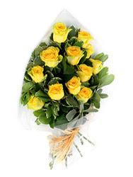 Yozgat güvenli kaliteli hızlı çiçek  12 li sari gül buketi.