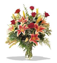 Yozgat çiçek servisi , çiçekçi adresleri  Pembe Lilyum ve Gül