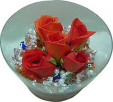 Yozgat 14 şubat sevgililer günü çiçek  5 adet gül ve cam tanzimde çiçekler