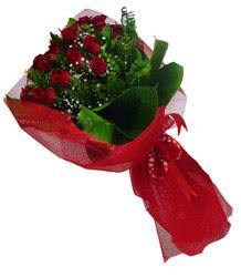 Yozgat çiçek gönderme sitemiz güvenlidir  10 adet kirmizi gül demeti