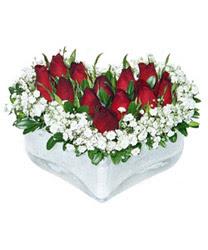 Yozgat internetten çiçek siparişi  mika kalp içerisinde 9 adet kirmizi gül