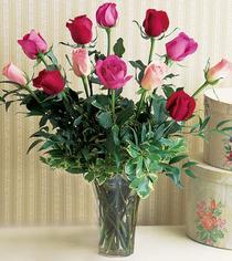Yozgat çiçek mağazası , çiçekçi adresleri  12 adet karisik renkte gül cam yada mika vazoda