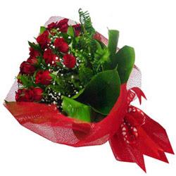 Yozgat kaliteli taze ve ucuz çiçekler  12 adet kirmizi essiz gül buketi - SEVENE ÖZEL