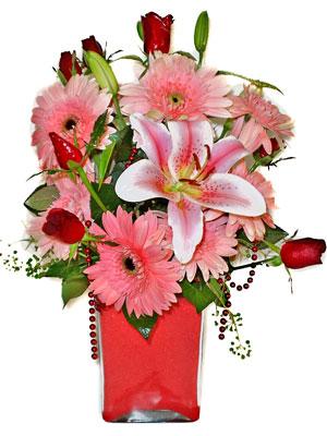 Yozgat cicek , cicekci  karisik cam yada mika vazoda mevsim çiçekleri mevsim demeti