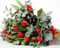 Yozgat çiçek satışı  11 adet kirmizi gül buketi özel günler için