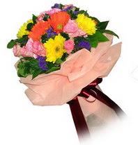 Yozgat çiçekçi mağazası  Karisik mevsim çiçeklerinden demet