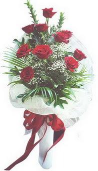 Yozgat hediye çiçek yolla  10 adet kirmizi gülden buket tanzimi özel anlara