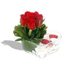 Mika kalp içerisinde 9 adet kirmizi gül  Yozgat çiçek servisi , çiçekçi adresleri