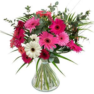 15 adet gerbera ve vazo çiçek tanzimi  Yozgat online çiçek gönderme sipariş