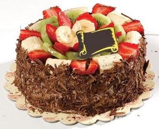 pastaci firmasindan 4 ile 6 kisilik çikolata meyvali yaspasta  Yozgat çiçek siparişi sitesi