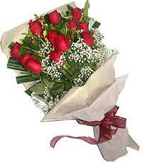 11 adet kirmizi güllerden özel buket  Yozgat internetten çiçek siparişi