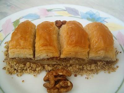 online pastane Essiz lezzette 1 kilo cevizli baklava  Yozgat cicek , cicekci