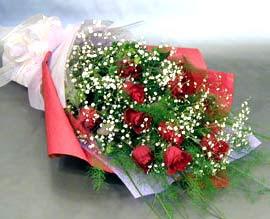 10 adet kirmizi gül çiçegi gönder  Yozgat anneler günü çiçek yolla