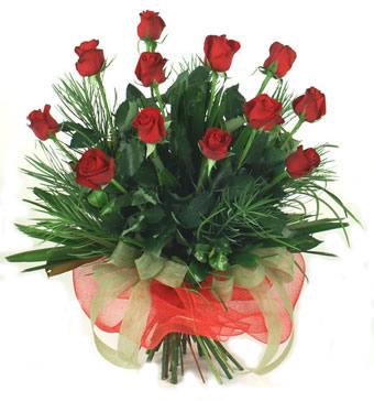 Çiçek yolla 12 adet kirmizi gül buketi  Yozgat güvenli kaliteli hızlı çiçek