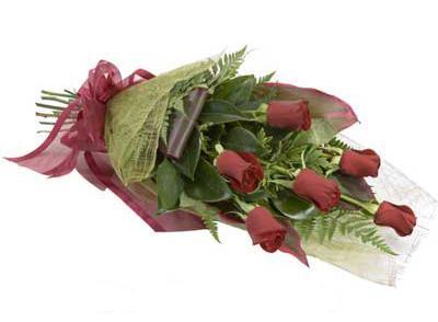 ucuz çiçek siparisi 6 adet kirmizi gül buket  Yozgat çiçek siparişi sitesi