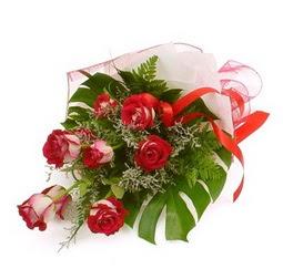 Çiçek gönder 9 adet kirmizi gül buketi  Yozgat çiçek siparişi vermek