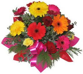 Karisik mevsim çiçeklerinden buket  Yozgat hediye sevgilime hediye çiçek