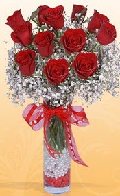 10 adet kirmizi gülden vazo tanzimi  Yozgat çiçek siparişi sitesi