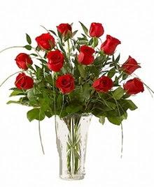 cam yada mika vazo içerisinde 9 kirmizi gül  Yozgat çiçek siparişi sitesi