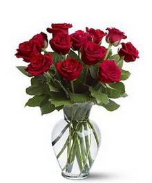 Yozgat çiçek gönderme sitemiz güvenlidir  cam yada mika vazoda 10 kirmizi gül