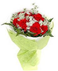 Yozgat çiçek , çiçekçi , çiçekçilik  7 adet kirmizi gül buketi tanzimi