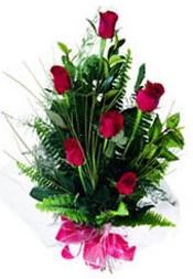 Yozgat güvenli kaliteli hızlı çiçek  5 adet kirmizi gül buketi hediye ürünü