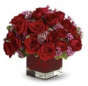 11 adet kırmızı gül vazosu  Yozgat çiçekçiler