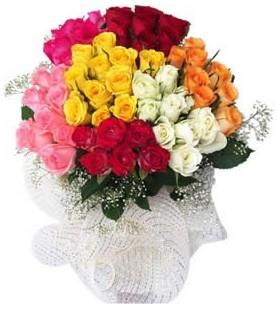 Yozgat çiçekçi telefonları  51 adet farklı renklerde gül buketi