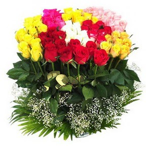 Yozgat çiçek mağazası , çiçekçi adresleri  51 adet renkli güllerden aranjman tanzimi