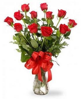 Yozgat çiçek , çiçekçi , çiçekçilik  12 adet kırmızı güllerden vazo tanzimi
