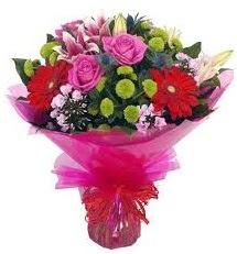 Karışık mevsim çiçekleri demeti  Yozgat online çiçek gönderme sipariş