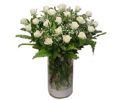 Yozgat yurtiçi ve yurtdışı çiçek siparişi  cam yada mika Vazoda 12 adet beyaz gül - sevenler için ideal seçim