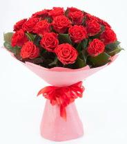 12 adet kırmızı gül buketi  Yozgat çiçek siparişi sitesi
