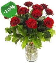 11 adet vazo içerisinde kırmızı gül  Yozgat online çiçek gönderme sipariş