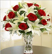 12 adet kırmızı gül 2 dal kazablanka vazosu  Yozgat çiçek satışı